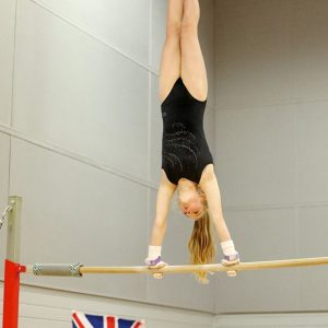 molly handstand giant
